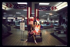 ss-110406-mall-scenes-buysears.ss_full-550x370