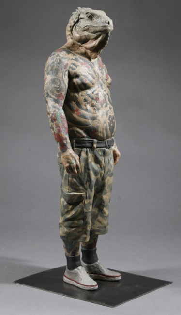 Alessandro_Gallo_Under_the_Skin_Tattoo_Iguana_Alternate_Version_Ceramic_Sculpture_tattoo